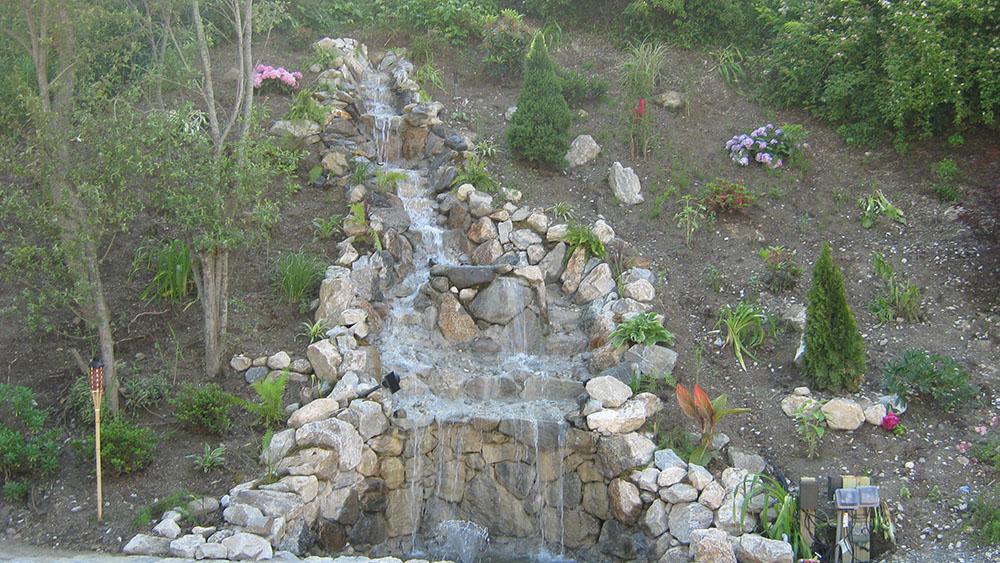 LaFamiglia Waterfall